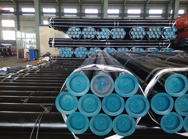 Large diameter seamless steel pipes